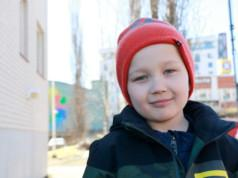 Niki Porvali harrastaa parkouria koulun kerhossa.