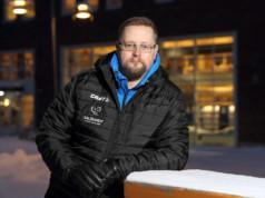 Janne Koskisen tehtävänä on kehittää ja johtaa suomalaisen salibandyn erotuomaritoimintaa. Kuva: Jouni Valkeeniemi