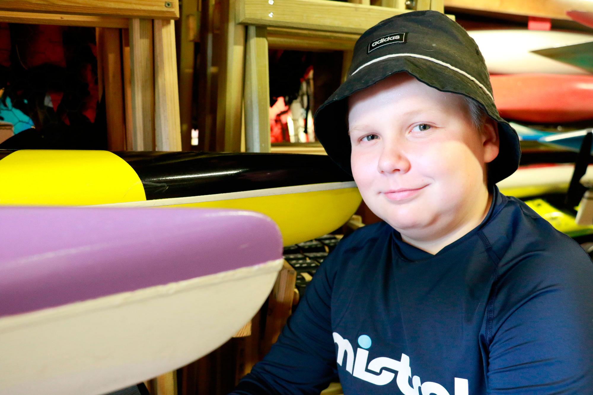 Oliver Lindell innostui melonnasta, kun hän kävi koulun kanssa melontaopissa Vesaniemessä.