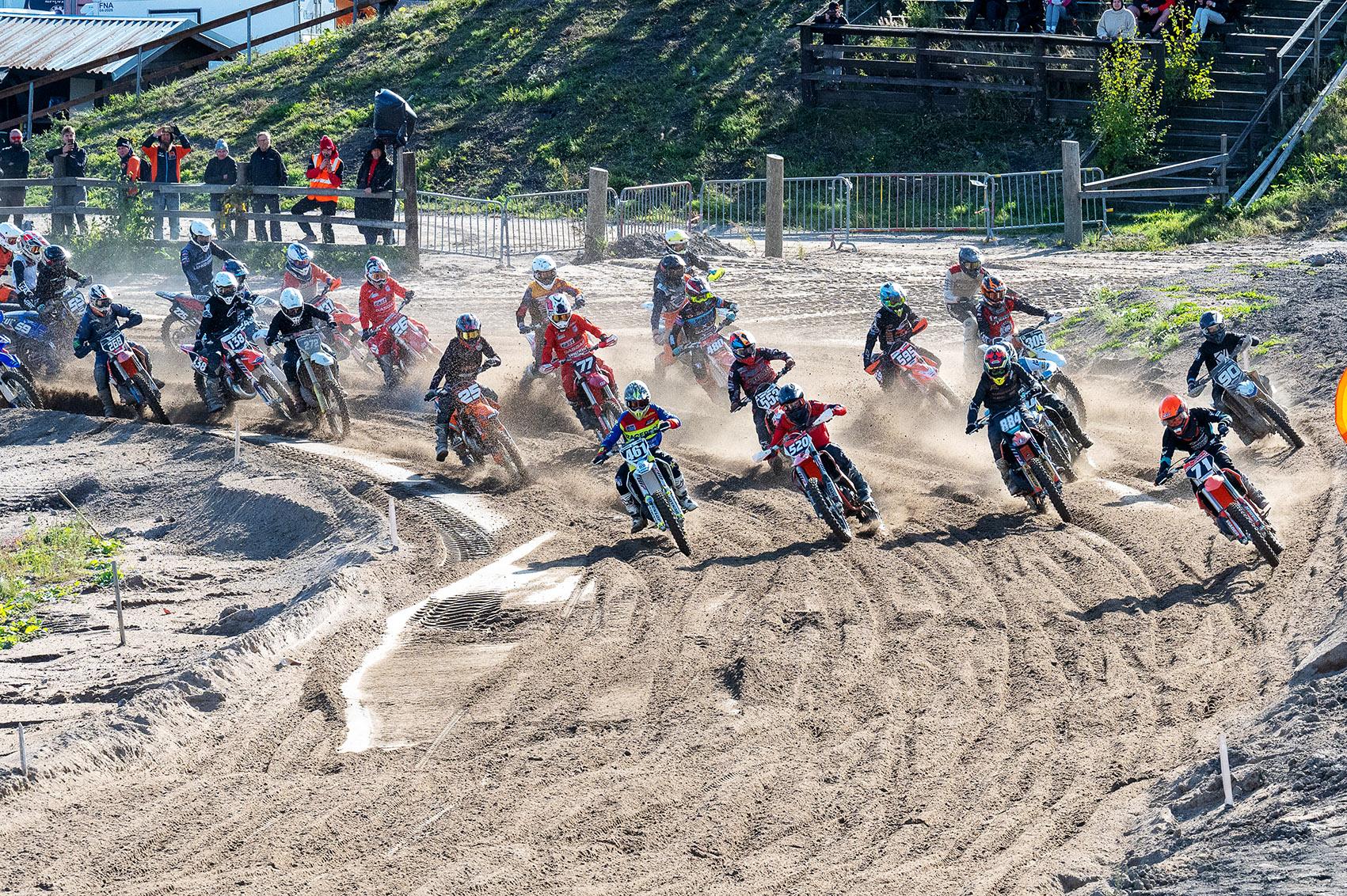 Vantaan Vauhtikeskuksessa ratkottiin motocrossin sivuvaunujen SM-mitalien lisäksi useiden muiden luokkien mestaruudet. Kuva: SML SM-Motocrossin tiedotus