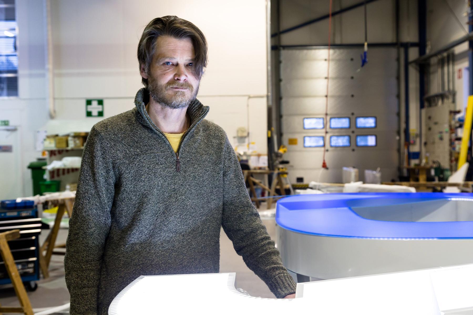 Pekka Makkonen on ylpeä Neonelektron osaavasta ja sitoutuneesta henkilöstöstä.