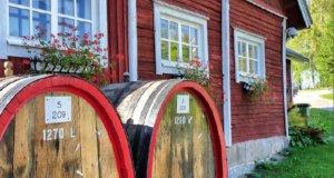 Rönnvikin viinitila ihan naapurissa Pälkäneen Laitikkalassa hellii silmää ja makunystyröitä. Kuva: Rönnvikin viinitila