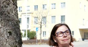 Kangasalan varhaiskasvatuksen johtajan virasta eläkkeelle jäävä Anni Aalto-Ropo sanoo olevansa kiitollinen pitkästä työurastaan kaupungin palveluksessa. – Olen kiitollinen saatuani työskennellä alalla, jossa töitä on riittänyt yhteiskuntaa ravistelleista isoista muutoksista ja kriiseistä huolimatta. Toivon, että varhaiskasvatushenkilöstön työtä aletaan aidosti arvostaa ja että arvostus näkyy alan palkoissa.