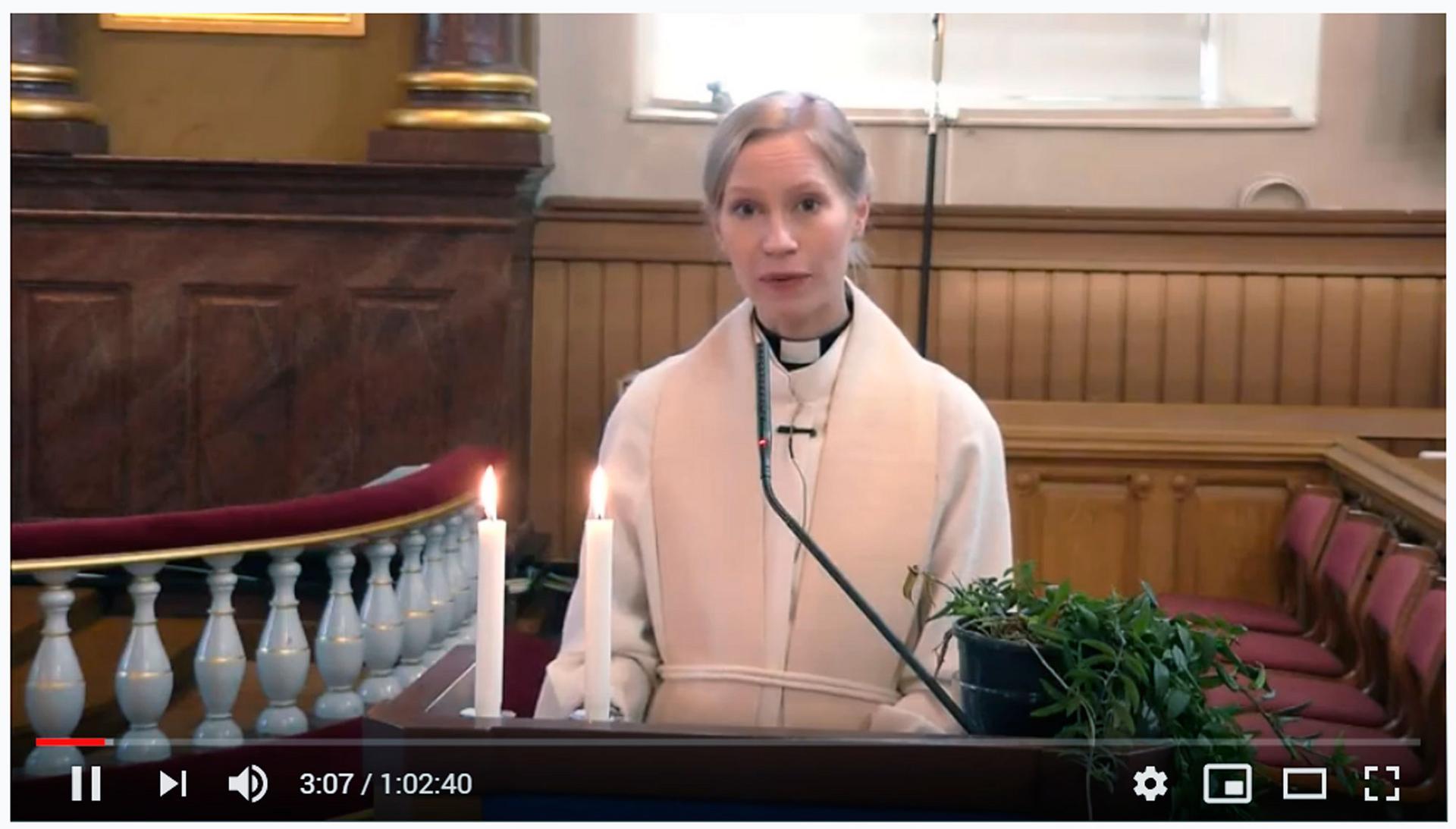 Citypappi Riikka Hämäläinen toimitti sanajumalanpalveluksen Kangasalan kirkossa viime sunnuntaina. Jumalanpalvelus on katsottavissa seurakunnan Youtube-kanavalla.