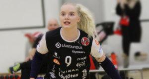Emma Mutka kesytti palloja Kangasalan takakentällä kolme hienoa kautta. Kuva: Pertti Flinck.