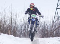 Kangasalan Moottorikerhoa edustava Niklas Laankoski kuvattuna vuoden 2019 Kangasala-Endurossa. Kuva: Janika Paukkuri / KS arkisto