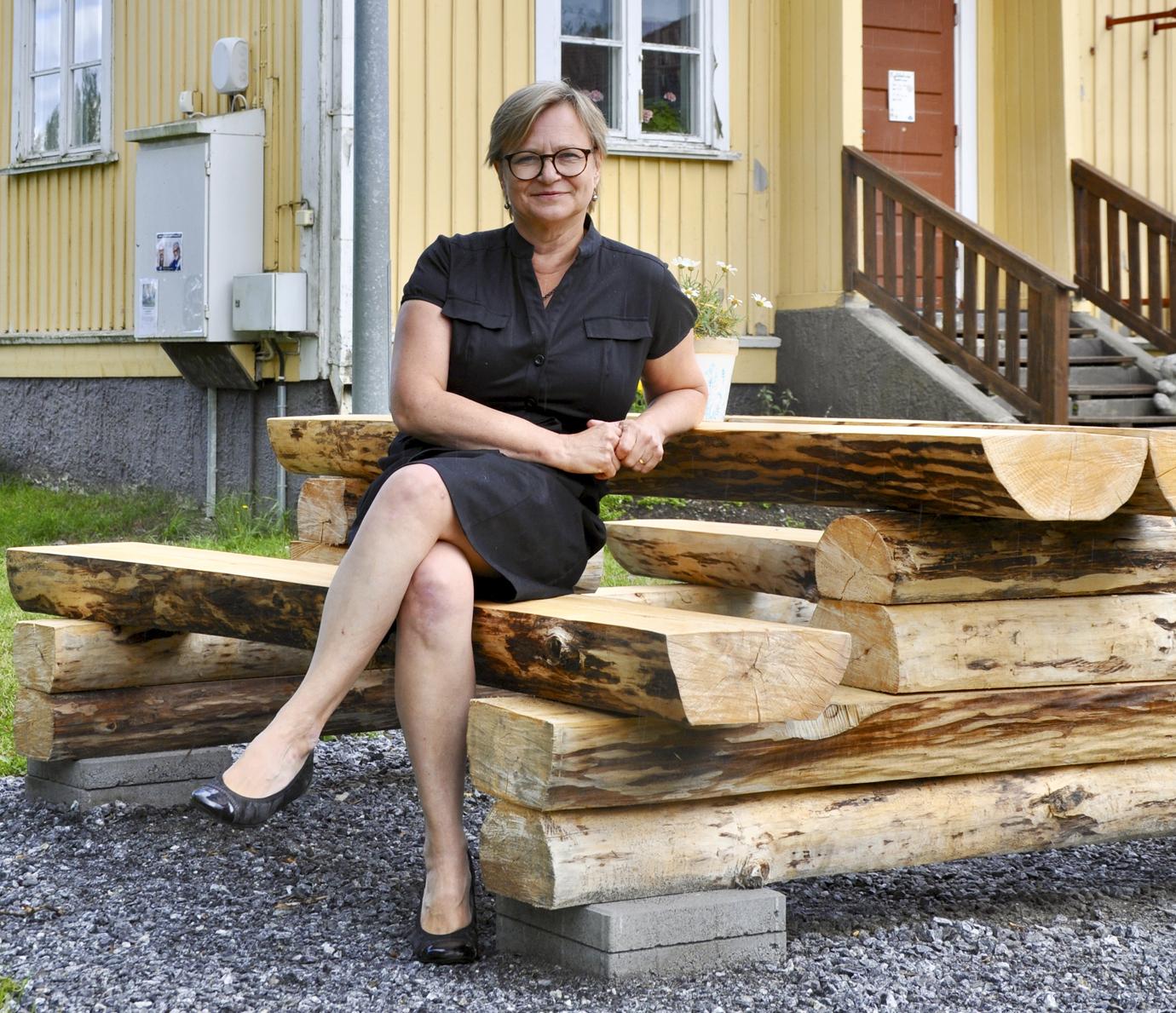 Hannele Valkeeniemi aloittaa Suomen Viron-instituutin johtajana 1. syyskuuta. Suomella on 17 tiede- ja kulttuuri-instituuttia eri puolilla maailmaa.