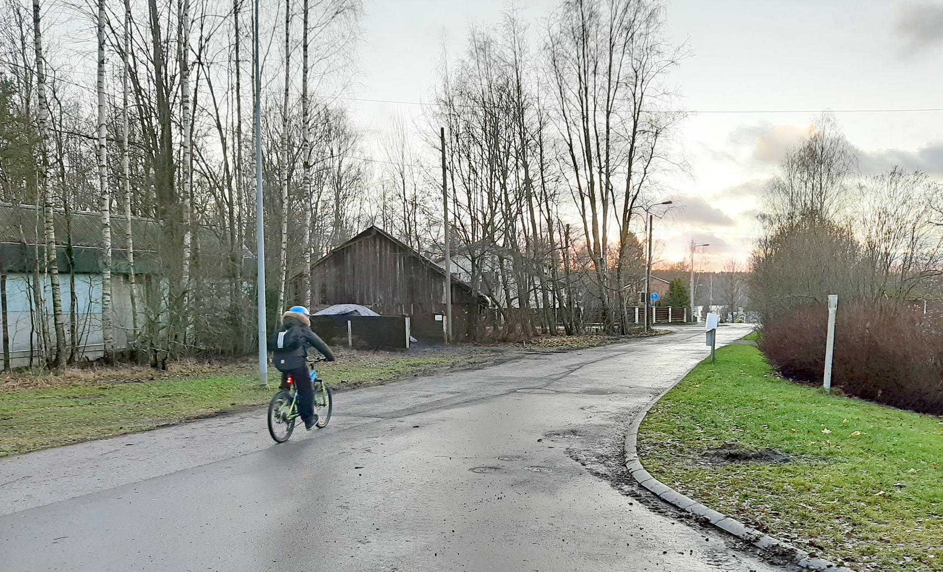Heikkiläntielle on tulossa pysäköintirajoituksia, jotka helpottavat tieosuuden kunnossapitoa talvikaudella.