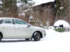 Kaupunki on saanut palautetta, jonka mukaan Hölkkäsuoran pysäköintipaikkoja käytetään muun muassa perävaunujen pitkäaikaissäilytykseen.