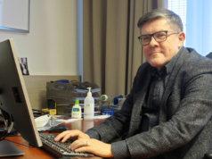 Korona kuormittaa myös johtajaylilääkäriä. Vapaapäivän Juhani Sand piti viimeksi maaliskuun 2020 alussa. Kuva: Pekka Kaarna