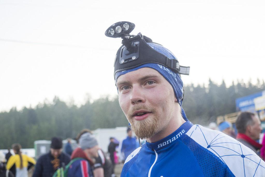 Tamperelainen Valtteri Luoma suunnisti Insta Sports Club 1:n toisen osuuden. Mies oli tyytyväinen ensimmäiseen yösuunnistustaipaleeseensa.