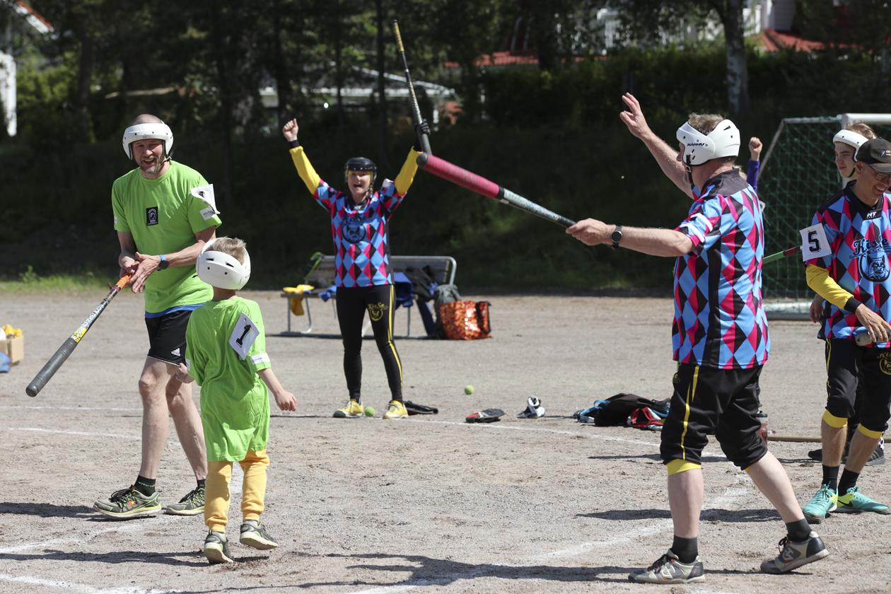 Numero 1 oli numeronsa mukainen: ottelun nuorin pelaaja onnistuneesti kotipesässä. Kuva: Janne Kähkönen