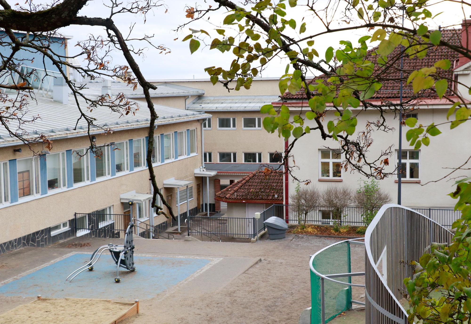 Kirkkoharjun koulun rakennuksista teetetään selvitys.
