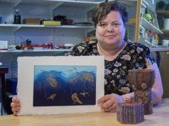 Omassa taiteessaan Mari Hilloa kiinnostaa kerroksellisuus ja tarinat. Kuva: Mari Hillon kotialbumi