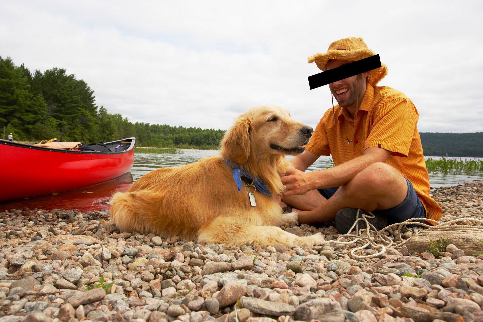 Roope Massinen (nimi muutettu yksityisyyden suojan vuoksi) on valmis käyttämään omia varojaan, jotta Kangasalasta saadaan tehtyä Suomen onnellisin kaupunki. Kuvassa hän poseeraa kotirannassaan koiransa Huntin (nimi muutettu) kanssa. Kuva: Iclipart