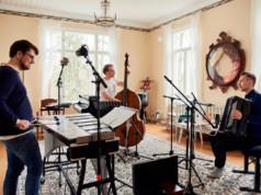 Panu Savolaisen Soiva Trio esittää Kangasala-talossa musiikkia uudelta albumiltaan. Kuva: Otto Virtanen
