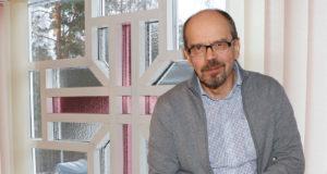 Pertti Lehmuskoski sanoo viihtyneensä Kangasalla erittäin hyvin. Uusi lehti elämässä kääntyy, kun hän jää eläkkeelle pastorin työstään helluntaiseurakunnassa.