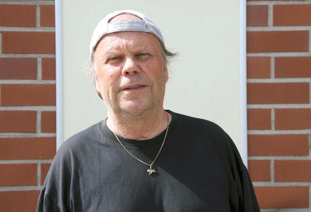Petri Heinilä iloitsee terveydestä ja auringonpaisteesta.