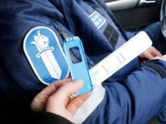 Huumausaineiden vaikutuksen alaisina autoilevat eivät ole kadonneet Kangasalan kaduilta, vaikkei heitä enää aiempaan malliin lehden palstoilla näy. Poliisin aika ei tahdo riittää tiedottamiseen.