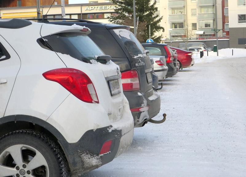 Kangasalla kirjattiin viime vuonna 3 500 pysäköintivirhemaksua, Lempäälässä 1 500.