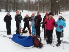 Roineen Tyttöjen Joutsenet tekivät hiihtoreissun Santasaareen. – Oli todella kivaa! he kertovat.