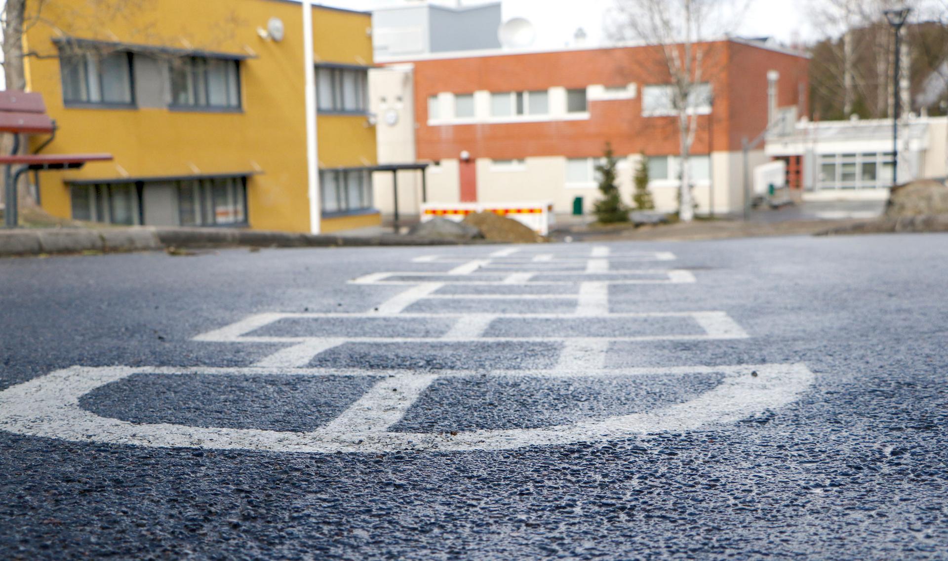 Sariolan koulukeskuksen pihamaa tyhjenee loman vuoksi seuraavan kerran syyslomalla, joka tänä syksynä pidetään 12.–18.10.