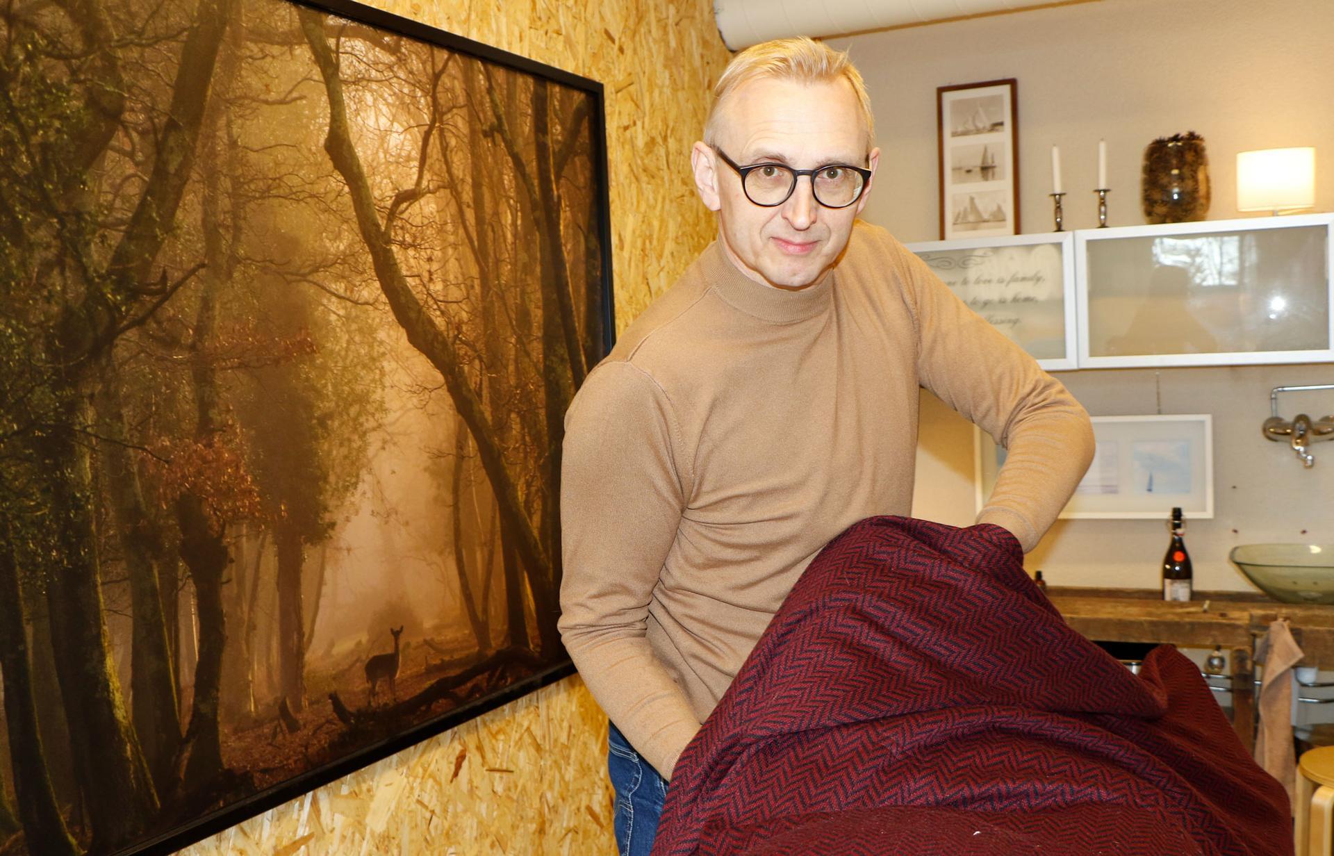 Omakohtaiset kokemukset innostivat Jukka Vaittisen kouluttautumaan kalevalaiseksi jäsenkorjaajaksi.