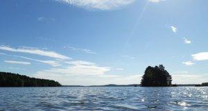Vesijärvessä ei tällä mittauskerralla esiintynyt ely-keskuksen mukaan sinilevää. Kahdella edellisellä viikolla sinilevää havaittiin hieman. Kuva: Sabina Mäki / KS arkisto
