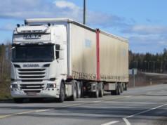 Valtatie 9 on Tampereen päästään maan vilkkain kaksikaistainen tie. Raskaan liikenteen osuus liikennevirrasta on poikkeuksellisen suuri.